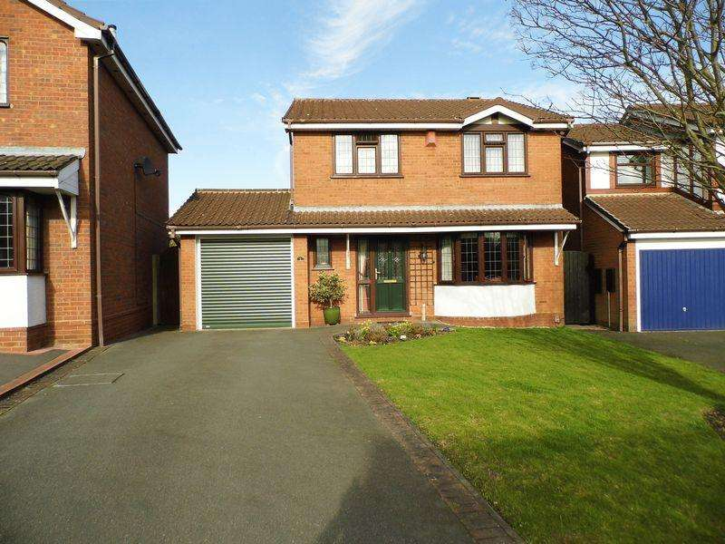 4 Bedrooms Detached House for sale in Fenbourne Close, Shelfield, Walsall