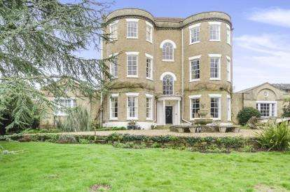 3 Bedrooms Flat for sale in Eling Hill, Southampton, Hampshire