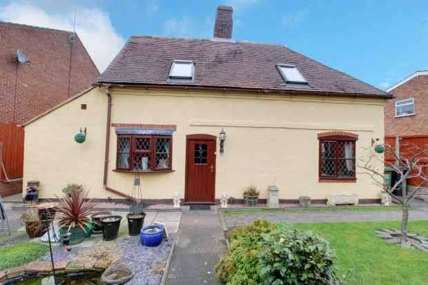 5 Bedrooms Detached House for sale in Kings Arms Lane, Stourport-On-Severn, Worcestershire, DY13 0NS