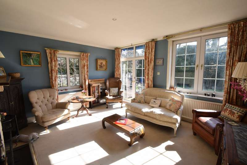 3 Bedrooms Detached House for sale in The Friary, Old Windsor, SL4
