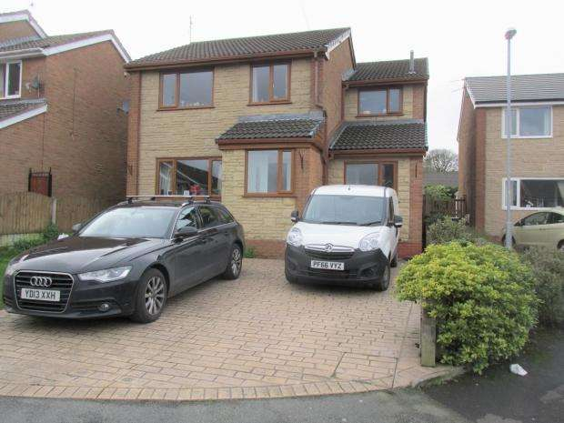 5 Bedrooms Detached House for sale in Conway Drive Oswaldtwistle