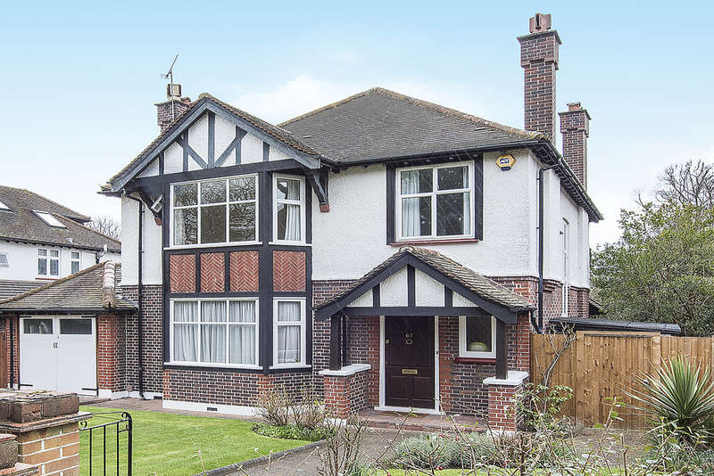4 Bedrooms Detached House for sale in Woodlands Road, Surbiton