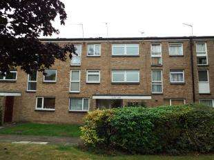 1 Bedroom Flat for sale in Friars Wood, Pixton Way, Forestdale, South Croydon