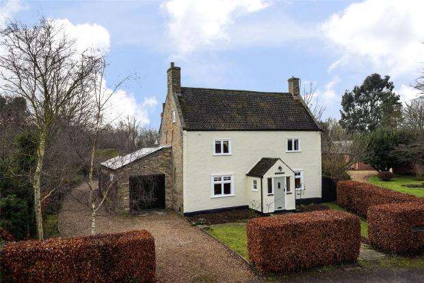 4 Bedrooms Detached House for sale in Church Street, Fen Drayton, Cambridgeshire