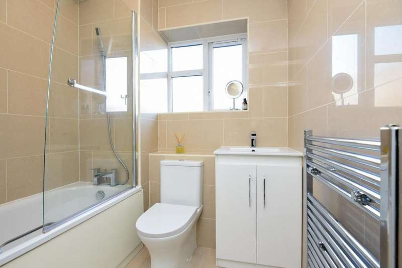 2 Bedrooms Flat for sale in Rinaldo Road, Balham, SW12