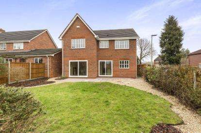 4 Bedrooms Detached House for sale in Prices Ground, Abbeymead, Gloucester, Gloucestershire