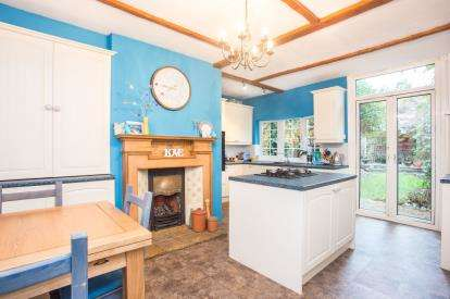 3 Bedrooms Semi Detached House for sale in Hagden Lane, Watford, Hertfordshire, .