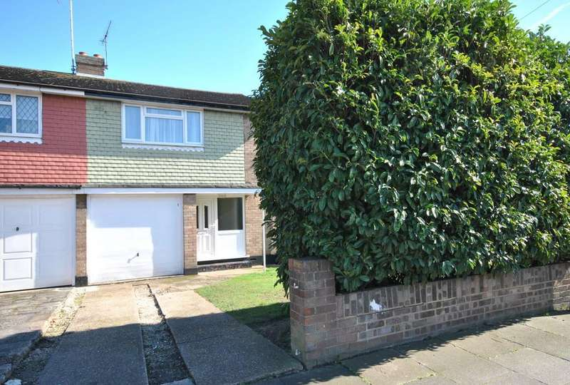 3 Bedrooms Semi Detached House for sale in The Fairway, Leigh-on-Sea