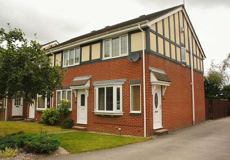 2 Bedrooms House for sale in Birk Lane, Morley, Leeds