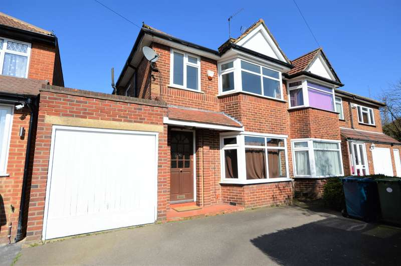 3 Bedrooms Semi Detached House for sale in Derwent Crescent, Stanmore, Middlesex, HA7 2NE