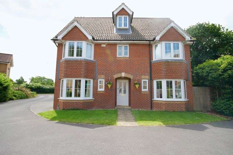 6 Bedrooms Detached House for sale in Pepper Close, Hayling Island