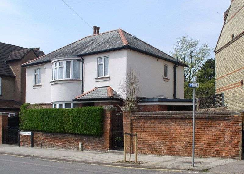 4 Bedrooms Detached House for sale in Clarendon Street, Bedford