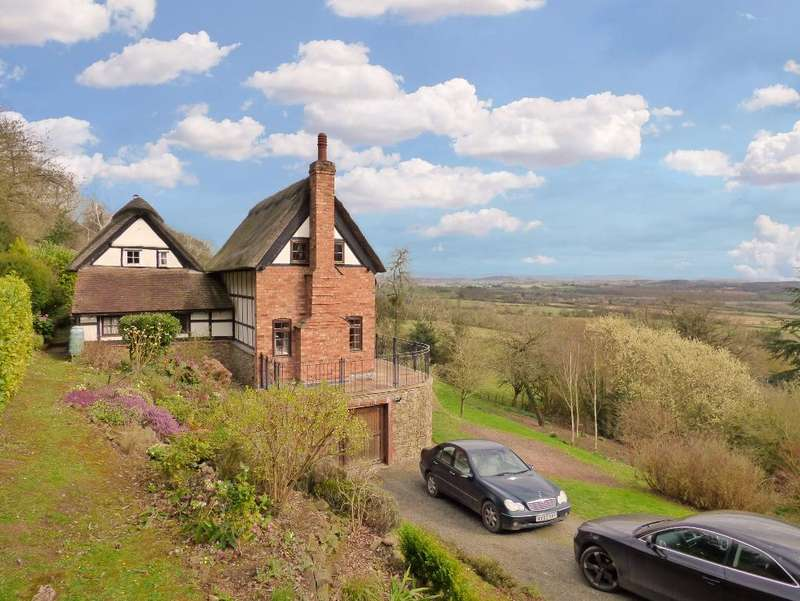 2 Bedrooms Cottage House for sale in Shucknall Hill, Hereford