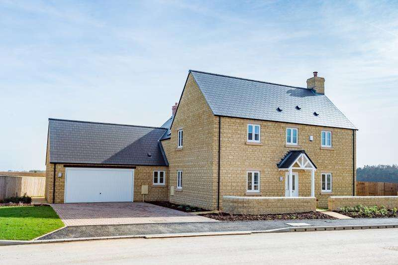4 Bedrooms Detached House for sale in The Oak, William Buckland Way, Stonesfield, Witney, Oxfordshire
