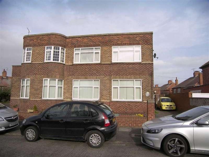 2 Bedrooms Flat for sale in Marden Road South, Whitley Bay, Tyne Wear, NE25