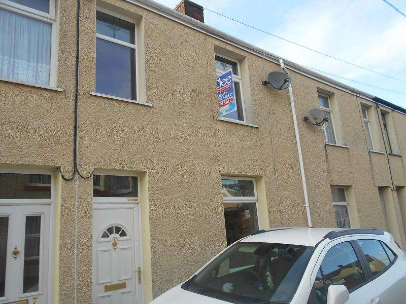 3 Bedrooms Terraced House for sale in Cecil Street, Neath, Neath Port Talbot.