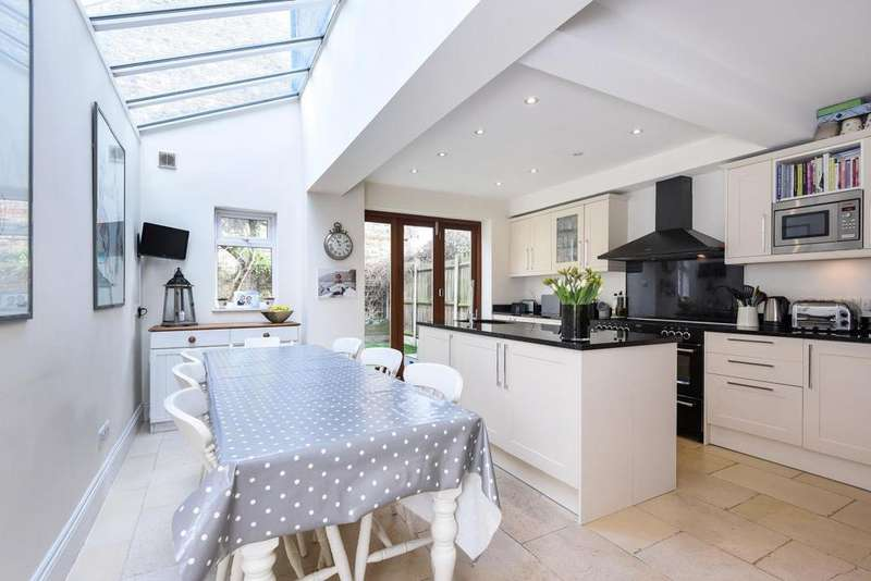 5 Bedrooms Terraced House for sale in Capern Road, Earlsfield, SW18