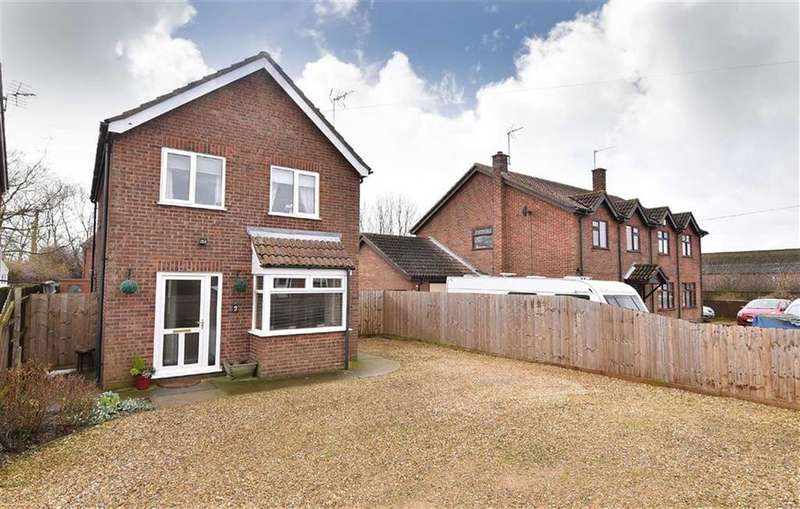 3 Bedrooms Detached House for sale in St Marks Road, Holbeach St Marks