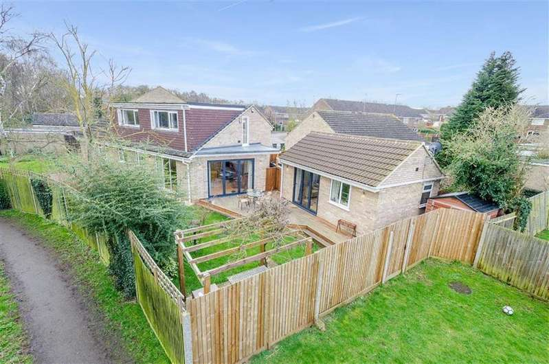 3 Bedrooms Semi Detached House for sale in Kipling Close, Hitchin, SG4