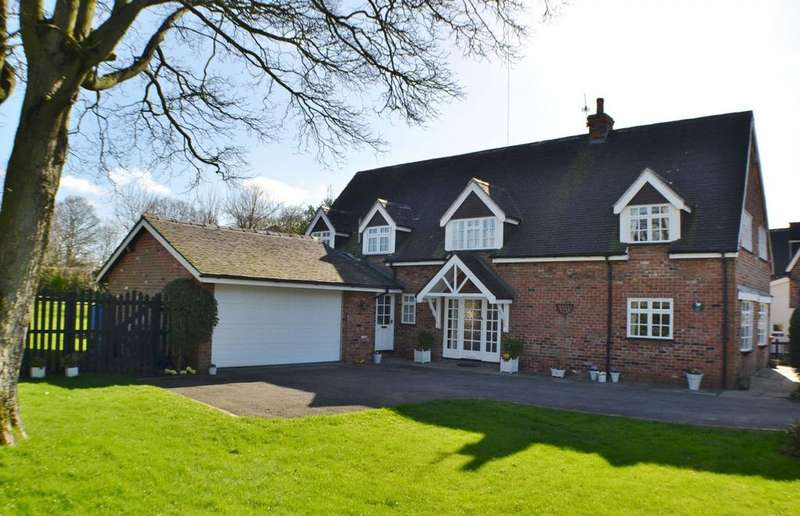 4 Bedrooms Detached House for sale in Congleton Road North, Scholar Green