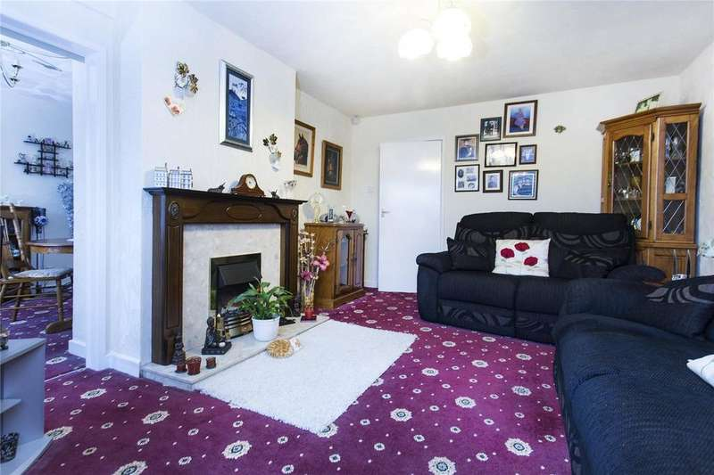 3 Bedrooms Semi Detached Bungalow for sale in Chestnut Green, Pontefract, West Yorkshire, WF8