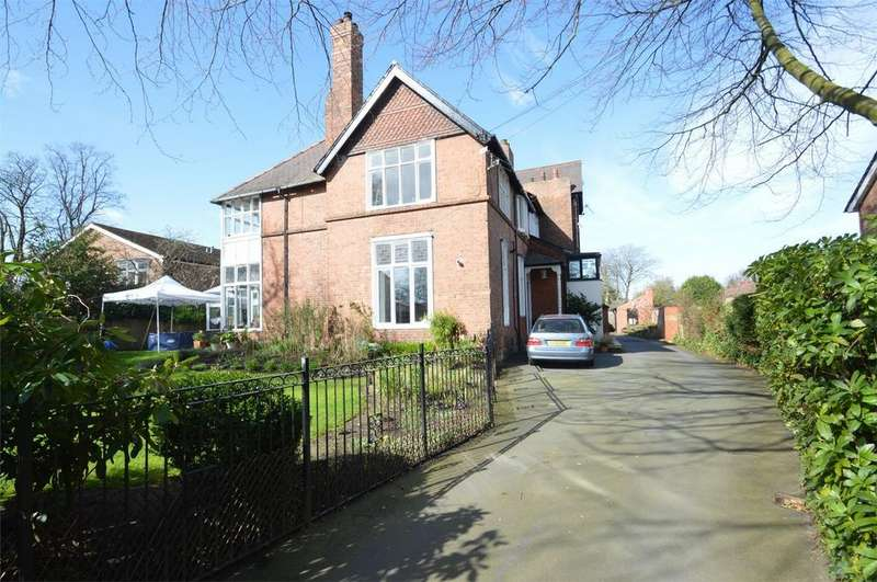 5 Bedrooms Flat for sale in 'Covertside' Moss Lane, SALE, Cheshire