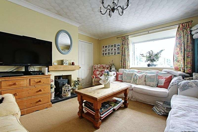 3 Bedrooms Semi Detached Bungalow for sale in Caistor Road, Barton-Upon-Humber