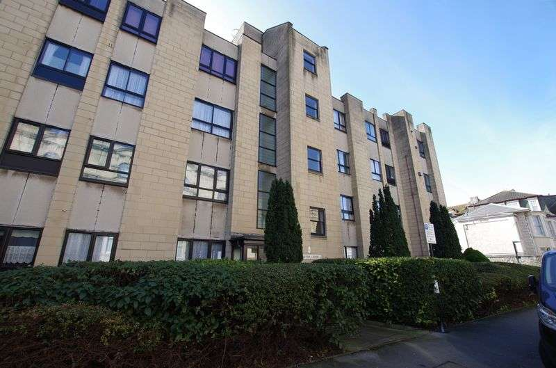 2 Bedrooms Flat for sale in Weston Lodge, Weston-Super-Mare