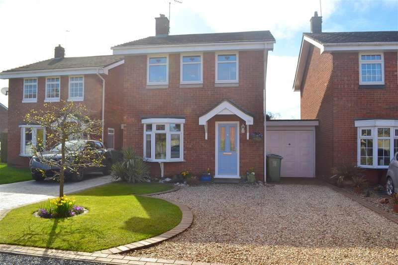 3 Bedrooms Link Detached House for sale in Shelmore Way, Gnosall