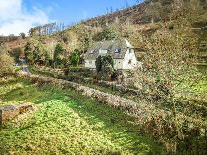 3 Bedrooms Detached House for sale in With Outbuildings and Land, Llandrillo, Corwen, Denbighshire, LL21