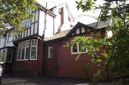 3 Bedrooms Semi Detached House for sale in Adlington Road, Wilmslow, Cheshire