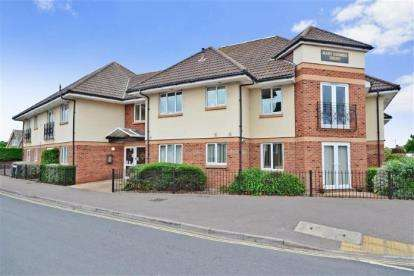 1 Bedroom Retirement Property for sale in 2A Sea Grove Avenue, Hayling Island, Hampshire