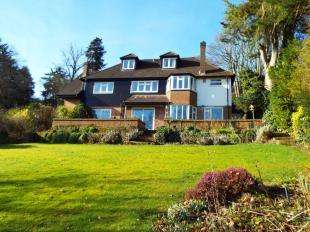 5 Bedrooms Detached House for sale in Tupwood Lane, Caterham, Surrey, Caterham