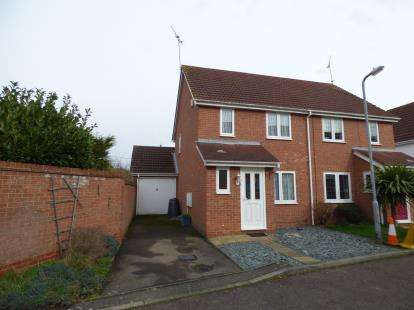 3 Bedrooms Semi Detached House for sale in Rochford, Essex, Uk