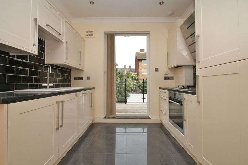 7 Bedrooms Terraced House for sale in Median Road, London