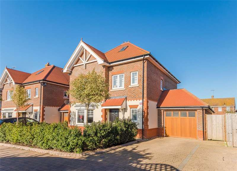 5 Bedrooms Detached House for sale in Kingshill Close, Bushey, WD23