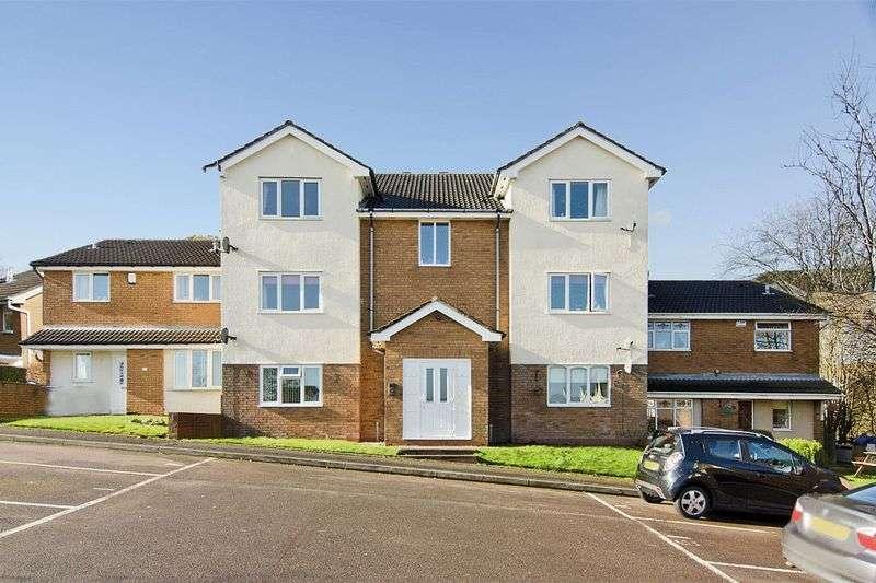2 Bedrooms Flat for sale in Apple Walk, Heath Hayes, Cannock