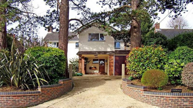 4 Bedrooms Detached House for sale in Maudlin Lane, Steyning, West Sussex