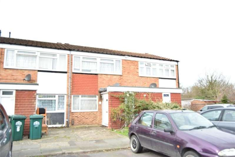 3 Bedrooms Terraced House for sale in Falcon Way, Sunbury-on-Thames, Surrey