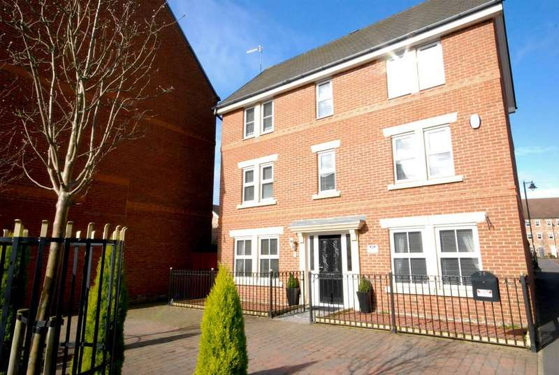 4 Bedrooms Detached House for sale in Featherstone Grove, Great Park