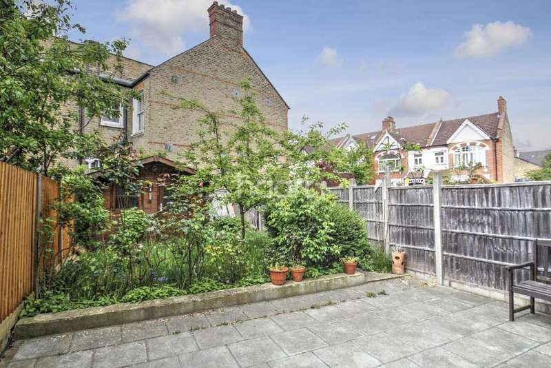 2 Bedrooms Flat for sale in Durnsford Road, Southfields