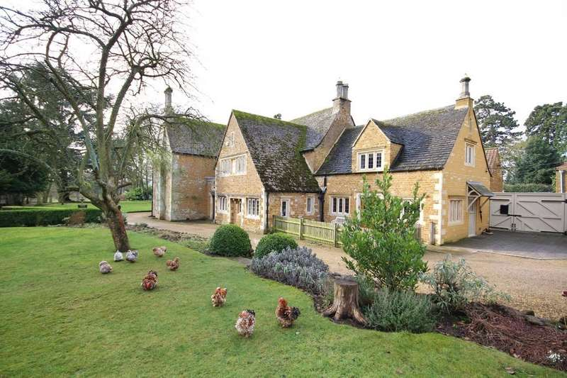 6 Bedrooms Detached House for sale in The Priory, Wymondham