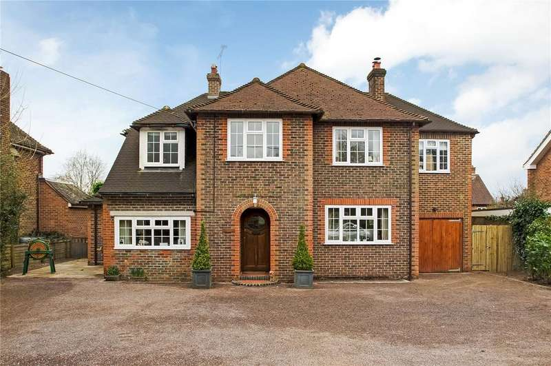 4 Bedrooms Detached House for sale in Highways Road, Compton, Winchester, SO21