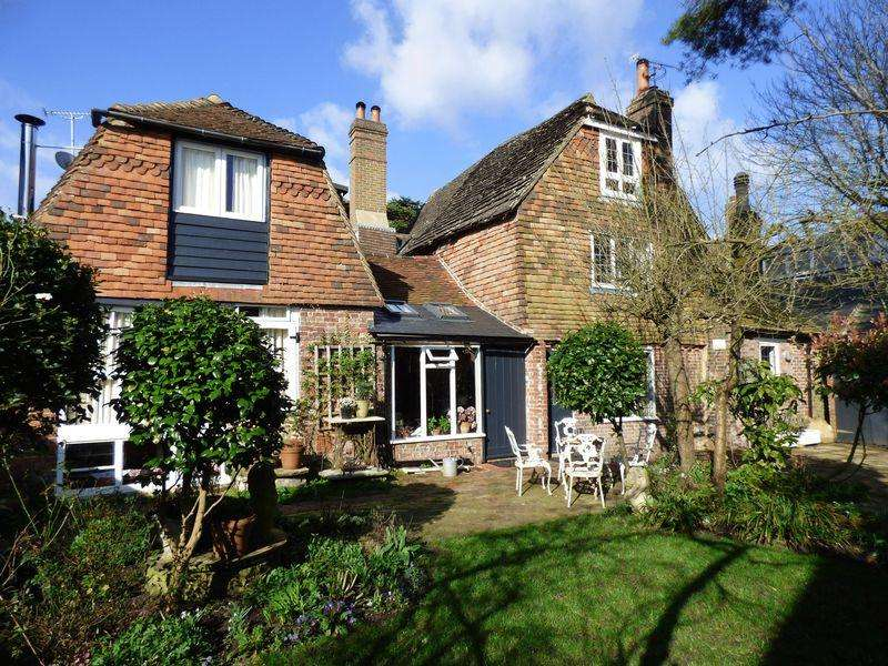 5 Bedrooms House for sale in South Street, Cuckfield, West Sussex