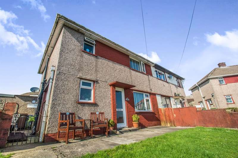 3 Bedrooms Semi Detached House for sale in Heol Y Mynydd, Hendreforgan, Porth