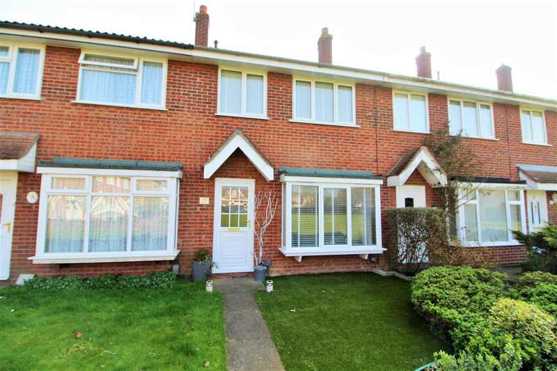 3 Bedrooms Terraced House for sale in Keymer Way, Lexden, Colchester