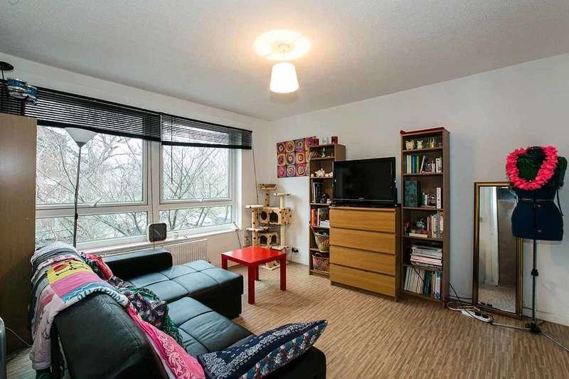1 Bedroom Flat for sale in Roman Way, London, SE15