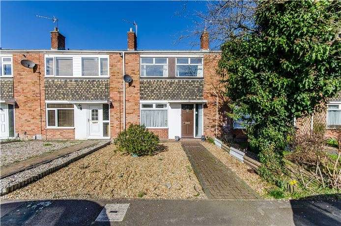 3 Bedrooms Terraced House for sale in Derwent Close, Cambridge