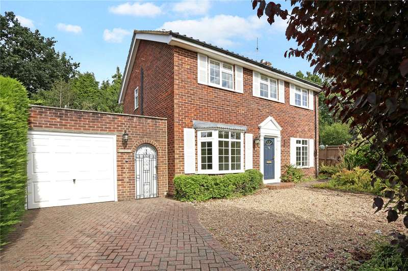 4 Bedrooms Detached House for sale in Robin Way, Wormley, Godalming, Surrey, GU8
