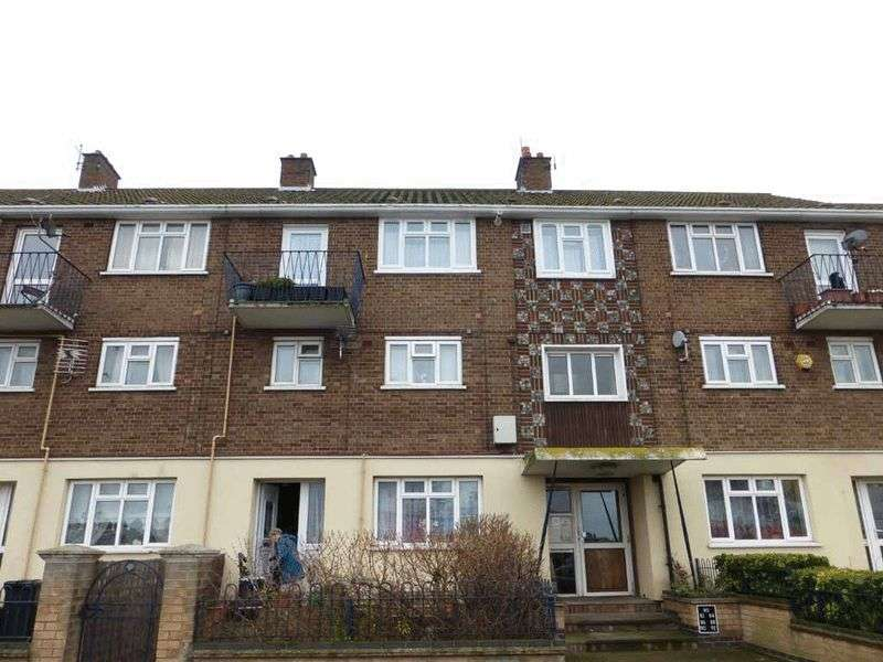 1 Bedroom Flat for sale in Great Yarmouth
